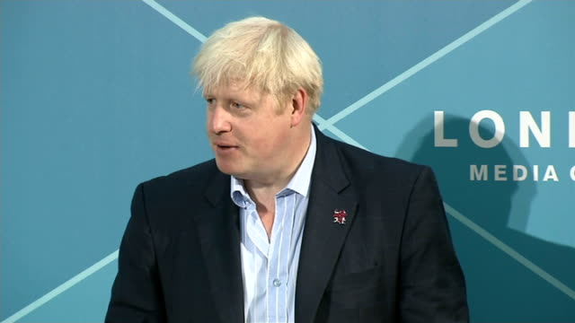 boris johnson press conference on olympic legacy; england: london: london media centre: int **beware flash photography** boris johnson press... - performance improvement stock videos & royalty-free footage