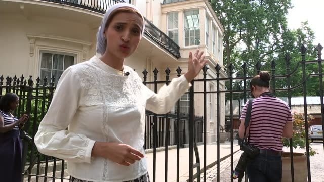 london carlton gardens ext general view foreign secretary's residence with car outside various of press waiting outside reporter to camera... - grant shapps stock videos and b-roll footage