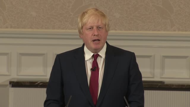 boris johnson speech england london st ermine hotel int boris johnson mp cheered and applauded by supporters as to press conference podium / boris... - tall person stock videos and b-roll footage