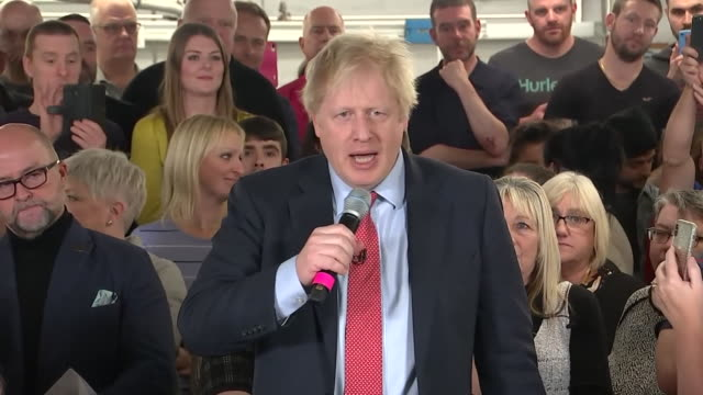 """boris johnson saying the conservatives """"are cutting taxes on business rates and ni contributions for everybody in the country"""" - derbyshire stock-videos und b-roll-filmmaterial"""