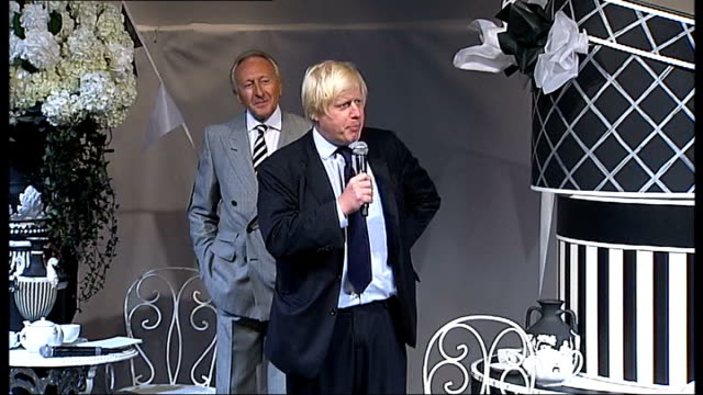 boris johnson speech at opening of show sot close shot of camera monitor showing johnson johnson poses for photocall, flanked by harold tillman and... - big hair stock videos & royalty-free footage