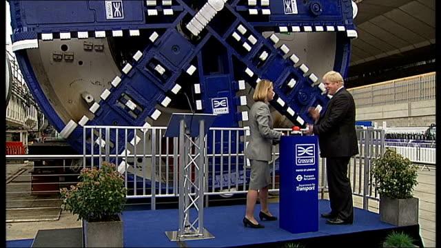 vídeos de stock, filmes e b-roll de boris johnson unveils crossrail tunnelling machines england london westbourne park ext boris johnson and justine greening mp switching on first tbm... - tunnel