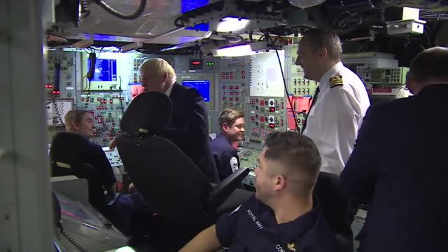 vidéos et rushes de boris johnson visits hms victorious, a vanguard-class nuclear submarine, during tour of faslane clyde naval base during first visit to scotland as... - royal navy
