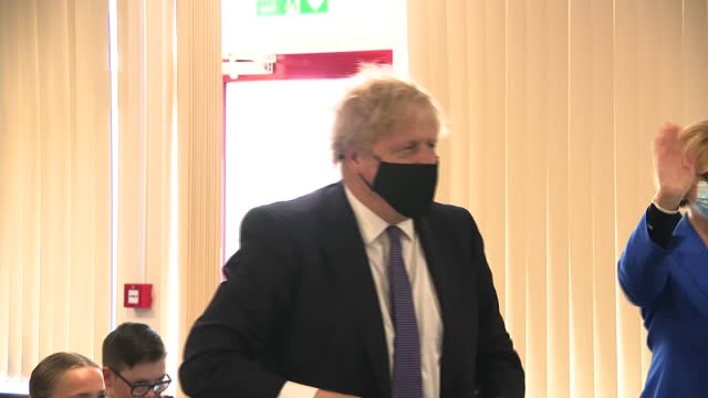 boris johnson visits primary school in county durham; england: county durham: ferryhill: cleves cross primary school: int further shots of boris... - 参加者点の映像素材/bロール