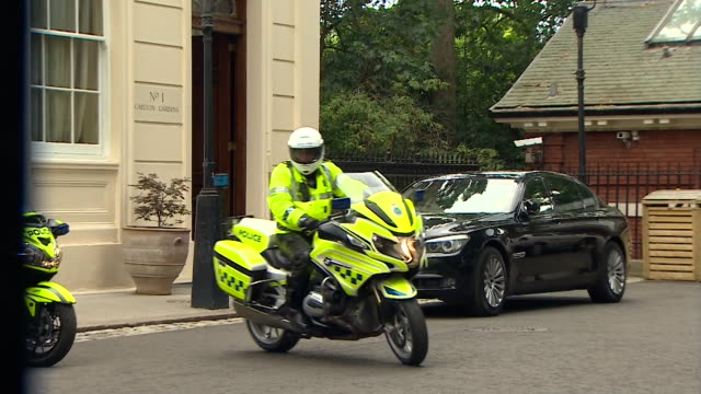 Boris Johnson's drivers and security leaving Carlton Gardens without him after his resignation as Foreign Secretary