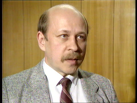 Boris Yelstin CMS Aleksander Merkushev intvwd SOF Yeltsin trying to soften Congress / Yeltsin didn't achieve objectives