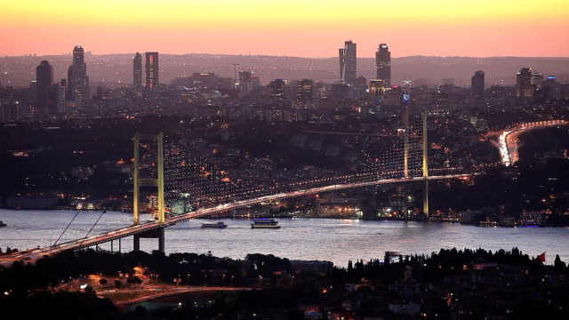 hd: bosporus-brücke **zeitraffer **, istanbul, türkei - straits stock-videos und b-roll-filmmaterial