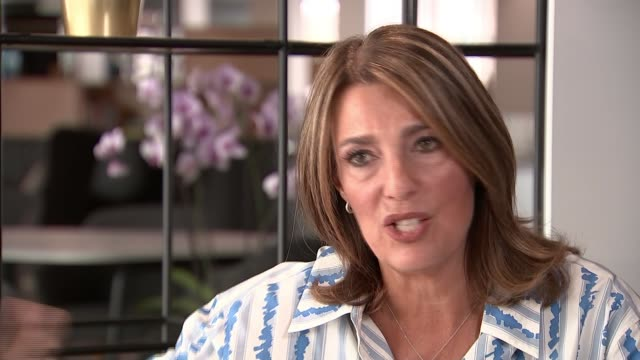 itv boss disputes link between junk food advertising and obesity england london int dame carolyn mccall setup shots and interview sot re regulation... - kettenglied stock-videos und b-roll-filmmaterial