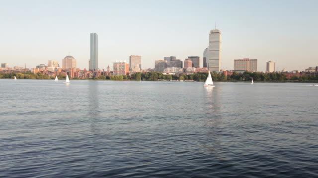 vídeos y material grabado en eventos de stock de boston back bay - río charles