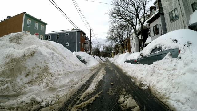 boston schneesturm 2015 geschlossen.   snowiest winter in boston geschichte - region new england stock-videos und b-roll-filmmaterial