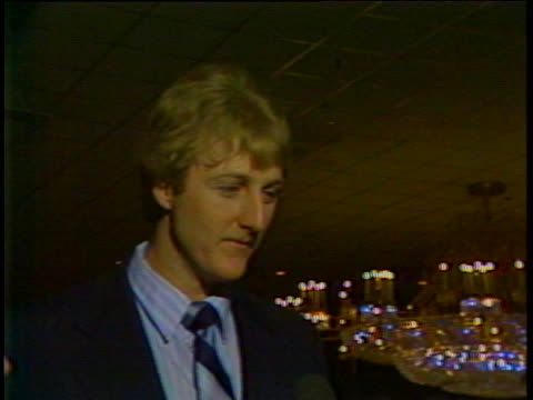 stockvideo's en b-roll-footage met boston celtics star basketball player larry bird answers questions about his career. - sport