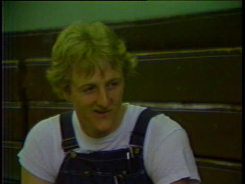 stockvideo's en b-roll-footage met boston celtics star basketball player larry bird says he cries when he loses. - sport