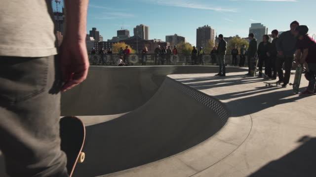 stockvideo's en b-roll-footage met boston city skatepark - skateboardpark