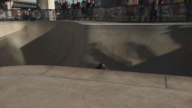 boston city skatepark - fence点の映像素材/bロール