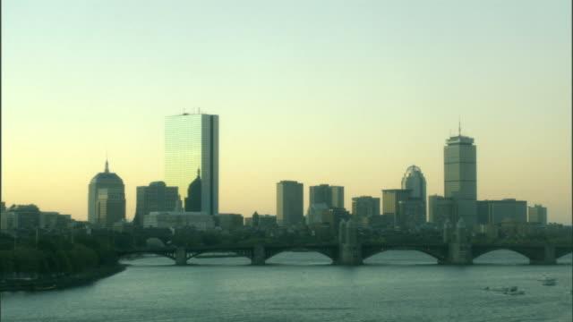 WS, Boston skyline across Charles River with Longfellow Bridge, Massachusetts, USA