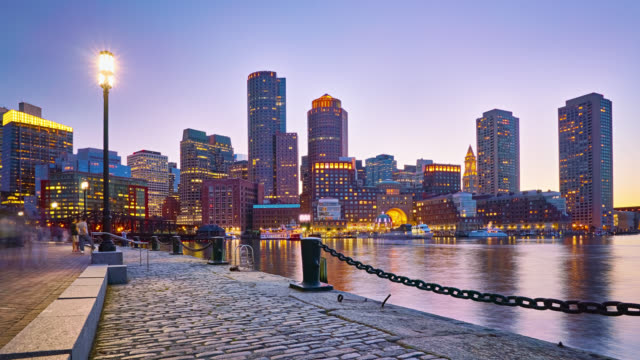 skyline von boston aus fan pier park - boston massachusetts stock-videos und b-roll-filmmaterial