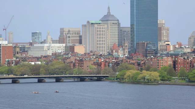 vídeos y material grabado en eventos de stock de horizonte de boston - río charles