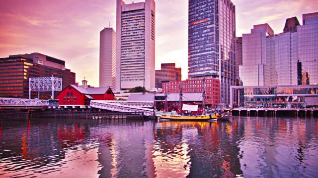 vídeos de stock, filmes e b-roll de boston tea party ships and museum - tea party