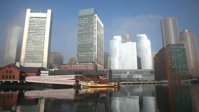 vídeos de stock, filmes e b-roll de de boston - tea party