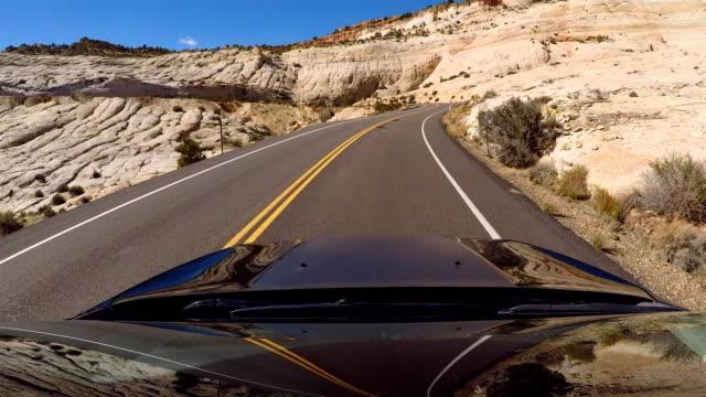 vidéos et rushes de boulder utah à escalante scenic drive de désert - boulder rock