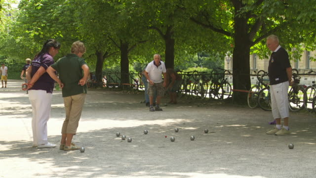 Boules players in Munich Hofgarten (Court Garden)