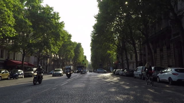 Boulevard de Courcelles.Paris.Driving Pov.