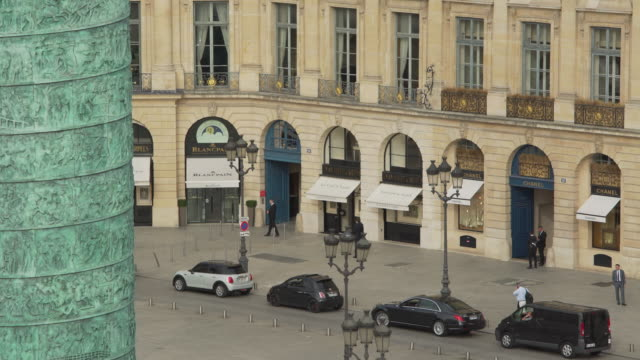 stockvideo's en b-roll-footage met boutique vendome - colonne vendome