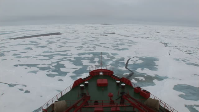 ws bow of ice-breaker moving through ice/ north pole - north pole stock videos & royalty-free footage