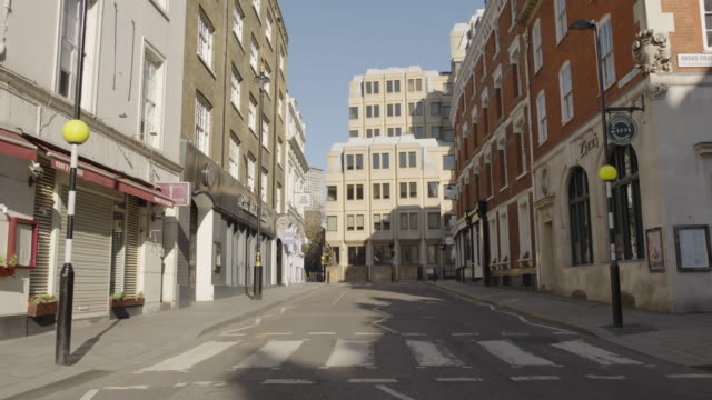 bow street - empty london in lockdown during coronavirus pandemic - city stock videos & royalty-free footage