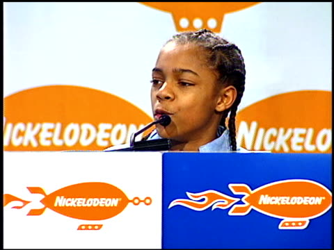 bow wow at the 2001 nickelodeon kids' choice awards press room at barker hanger in santa monica california on april 21 2001 - nickelodeon kid's choice awards video stock e b–roll