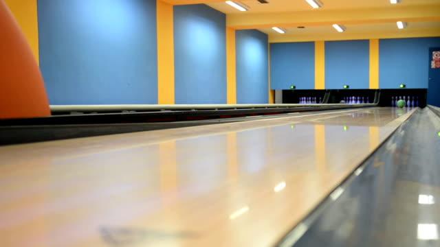bowling ball - bowling ball stock videos & royalty-free footage