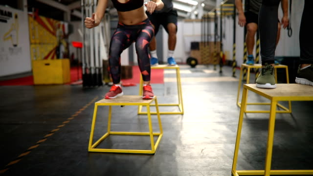 box jumping exercises - cardiovascular exercise stock videos & royalty-free footage