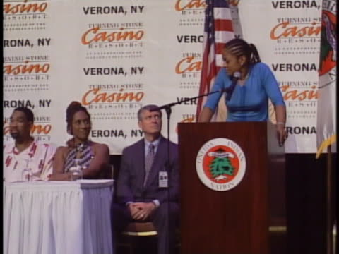 boxer laila ali talks at a press conference about her upcoming fight with jacqui frazier-lyde in verona, new york. - 女子ボクシング点の映像素材/bロール
