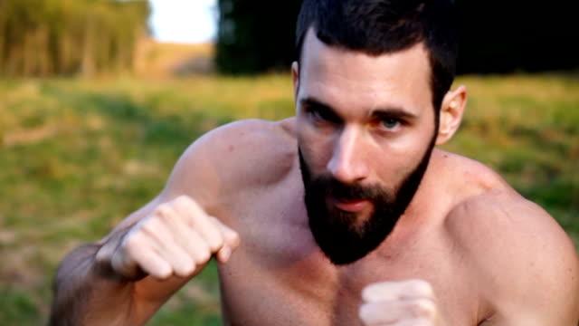 boxer beim aufwärmen - wettkampf stock-videos und b-roll-filmmaterial