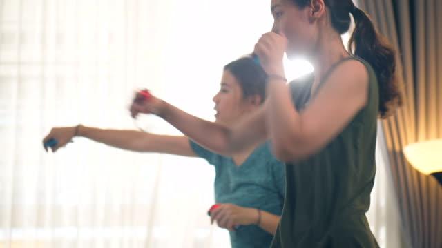 boxing exercise workout - allenamento a corpo libero video stock e b–roll