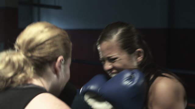 boxing match - 女子ボクシング点の映像素材/bロール