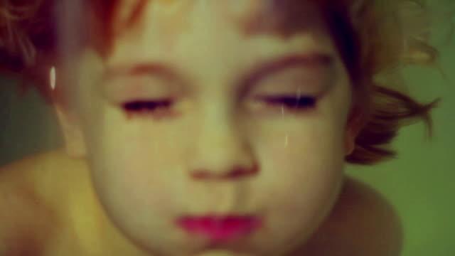 stockvideo's en b-roll-footage met boy and girl - 6 7 jaar