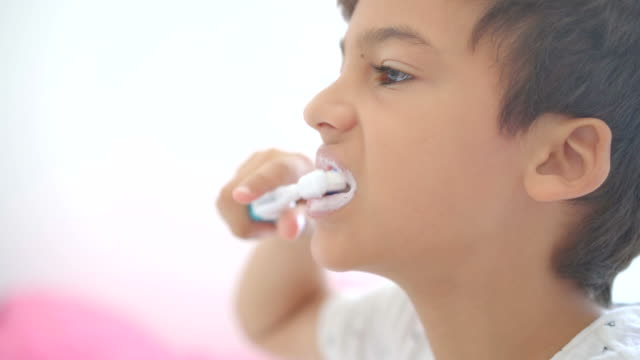 boy brushing teeth - brushing teeth stock videos & royalty-free footage