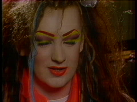 boy george responds to criticism about his voice from daryl hall and chaka khan - レゲエ点の映像素材/bロール