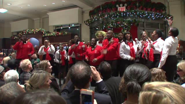 performance boy's and girl's choir of harlem alumni ensemble at brooks brothers celebrates the holidays with st jude children's research hospital at... - künstlerische darbietungen stock-videos und b-roll-filmmaterial