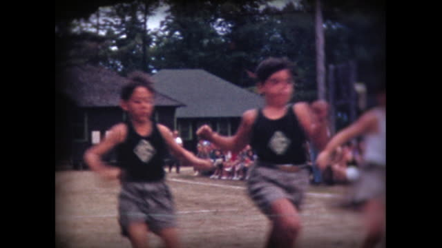 1941 boys camp race with finish line - 1940~1949年点の映像素材/bロール