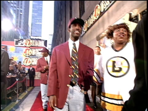 Boyz II Men arrive on the red carpet of the 1994 MTV Video Music Awards No audio
