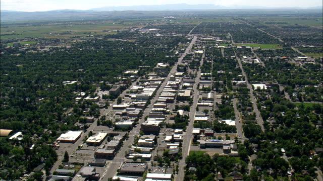 stockvideo's en b-roll-footage met bozeman - luchtfoto - montana, gallatin county, verenigde staten - montana westelijke verenigde staten