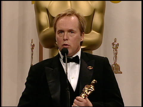 stockvideo's en b-roll-footage met brad bird, winner best animated feature for 'the incredibles' at the 2005 annual academy awards at the kodak theatre in hollywood, california on... - 77e jaarlijkse academy awards