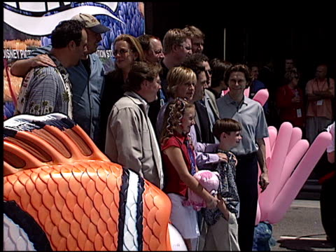 brad garrett at the 'finding nemo' premiere at the el capitan theatre in hollywood california on may 18 2003 - el capitan theatre stock videos & royalty-free footage