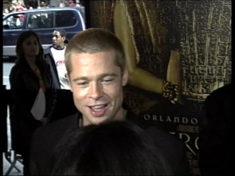 brad pitt appears at the premiere for troy - brad pitt actor stock videos & royalty-free footage