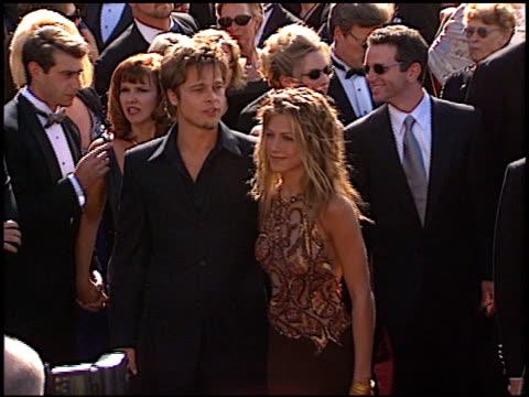 brad pitt at the 1999 emmy awards at the shrine auditorium in los angeles, california on september 12, 1999. - 俳優 ブラッド・ピット点の映像素材/bロール