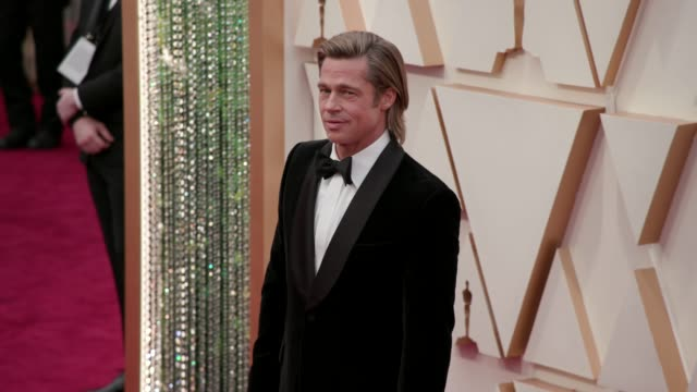 vidéos et rushes de brad pitt at the 92nd annual academy awards at the dolby theatre on february 09, 2020 in hollywood, california. - cérémonie des oscars