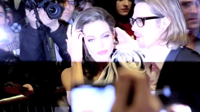 vídeos y material grabado en eventos de stock de brad pitt came to paris to support his wife angelina jolie for the paris promotion at mk2 bibliothèque of her debut as a director for in the land of... - brad pitt