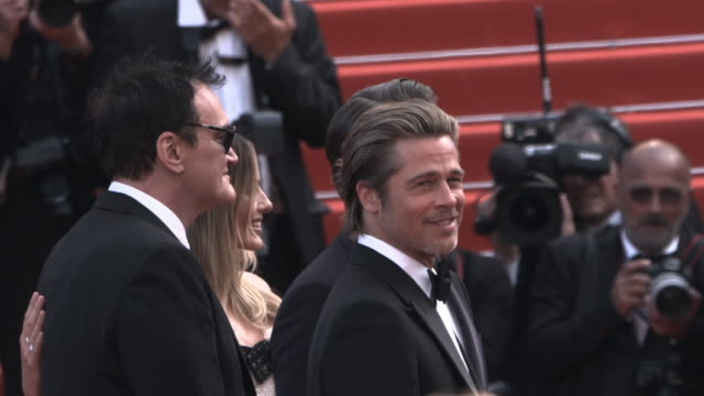 brad pitt, leonardo dicaprio, margot robbie, quentin tarantino at 'once upon a time in hollywood ' red carpet arrivals the 72nd cannes film festival... - 俳優 ブラッド・ピット点の映像素材/bロール